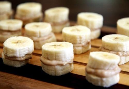 Peanut butter banana bites