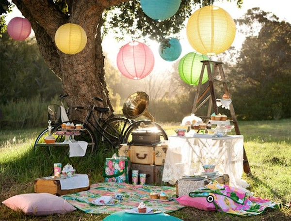 Plan a surprise picnic! | Source: twyxt.us