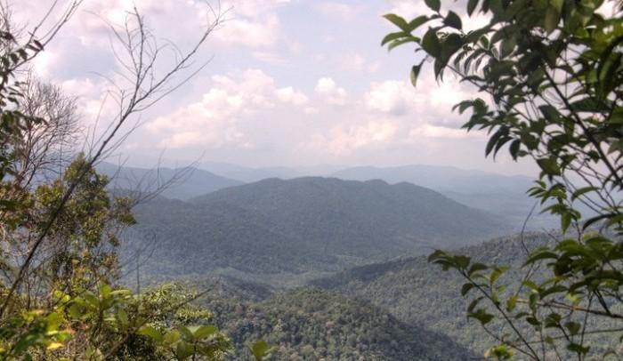 gunung angsi hiking