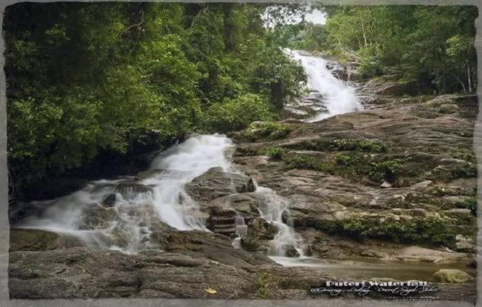 puteri falls gunung ledang